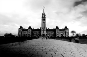 Parliament Hill - B+W by alyseyoung