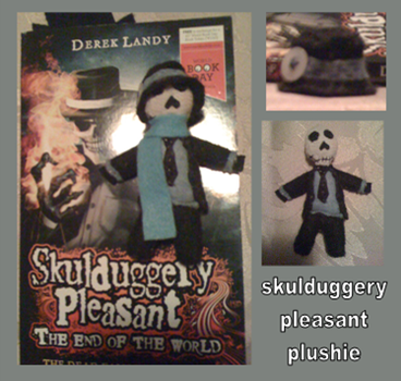 Skulduggery Pleasant Mini Plush by Jack-O-AllTrades