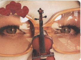 eye love them strings by beehivesandbouffants