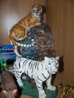 Tiger Statues by mistyrainydayluv