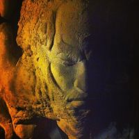 Face in the cave by NoriToy