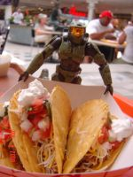 Master Chief Eats SUM TACOS by Gubreez
