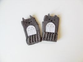 MY NEIGHBOR TOTORO Fingerless Gloves (Gray) by annemisfit