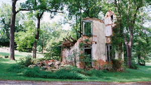 Ruined house by seeker-of-revelation