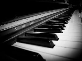 Vintage piano by SparkVillage