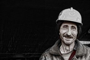 shipyard worker by redmemet