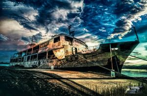 Old Boat-HDR by 35-Elissandro