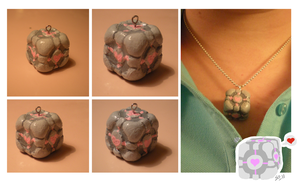 Companion Cube Necklace by BUBBLE89