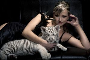 2012 with white tiger by perfectmuse