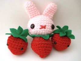 Strawberries and Moon Buns by MoonYen