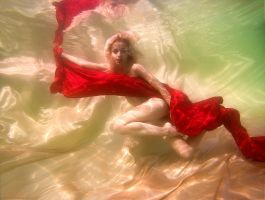 Underwater - Glimpse of passion by CristianaApostol
