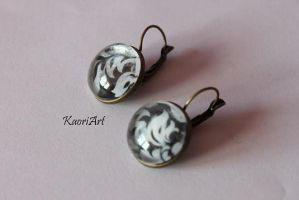 Antique earrings with cabochon. by KaoriArt