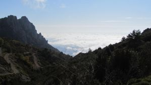 Sea of clouds by Cholomonzo