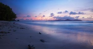blue beach by photoplace