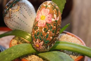 Floral Hand painted Stone  (Etsy) by emmysheartsncrafts