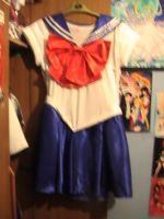 Sailor Moon Costume front by Londonexpofan