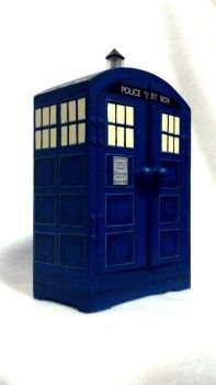 Tardis Jewelry Box by lishlitz