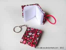 Mini Note Keychain Pink 4cmX 3,5cm by alicoe
