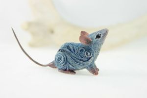 Little blue rat by hontor