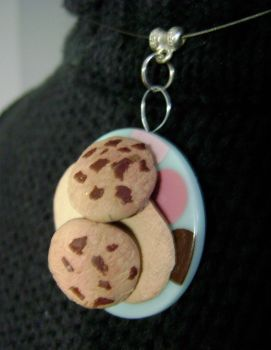 'Plate of Cookies' necklace by SnowBunnyStudios