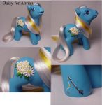 Daisy custom pony by Woosie