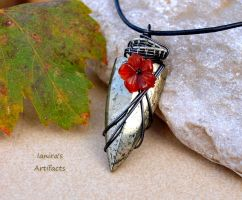 Pyrite arrowhead wire wrapped pendant by IanirasArtifacts