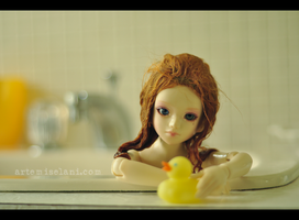 Bath time by artemiselani