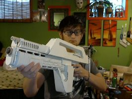 Pulse Rifle Done prepaint by NerdCarny
