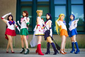 Super Sailor Moon group cosplay by cepejderi