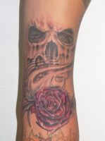 Rose and Skull thing by johnnyjinx