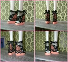Lace shoes for Monster High dolls by TheStripyCat