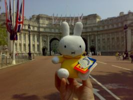 Miffy at Admiralty Arch by miffystravels