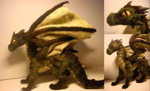 Wool dragon 2 by Ulltotten