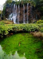 Green waterfall by Mestiv