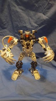 Bioformer Rampage robot mode by Primerules23