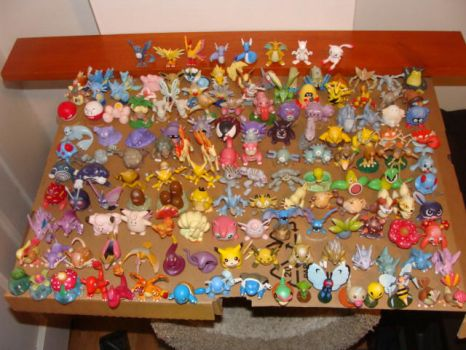 151 Pokemon Figures by SilverToraGe