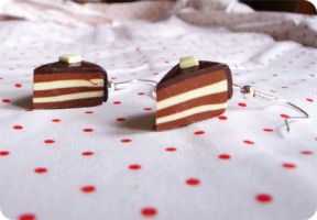 Caramel and Choco Cake Earings by CherryRedCheeks