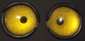 Yellow eyes with eyelids by DreamVisionCreations