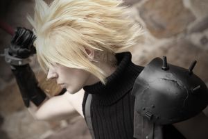 Cloud Strife - FFVII by SerinuCeli