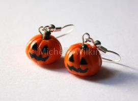 Jack o lantern Earrings by DragonsDust