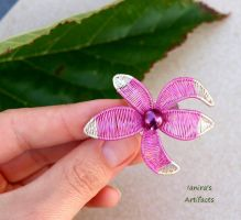 Pink wire wrapped flower brooch by IanirasArtifacts