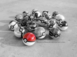 Red Pokeball by BionicleGahlok