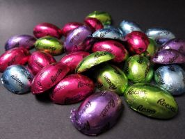 Reese's Eggs by devianb