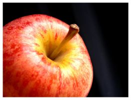The apple by tomegatherion