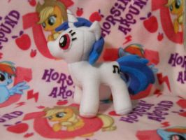 Vinyl Scratch Plush by smallwatermelon
