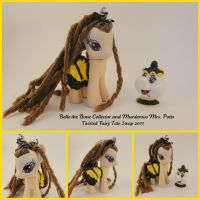 Belle the Bone Collector - a custom pony by hannaliten