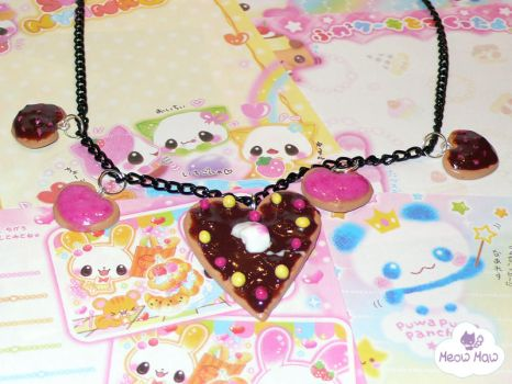Sweet heart cookie necklace by Meow-maw