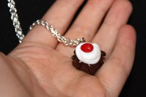 Brownie charm necklace by Guvy