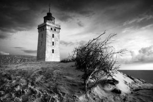 The lighthouse by skinnyde