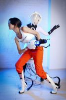 Portal 2 - Chell and GLaDOS by GlamForUs